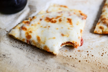Tasty-Kitchen-Blog-Cauliflower-Crust-Pizza-14